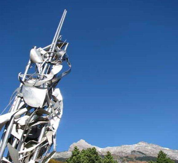 Sculpture - La Porte du Soleil