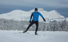 Apprenez à farter vos skis de fond